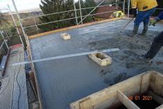 Betonáž podlahy technického zázemí vpodkroví