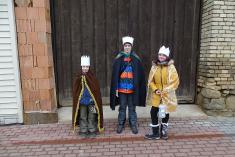 Tři králové vyrazili doulic