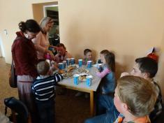 Pohoštění proúčinkující děti