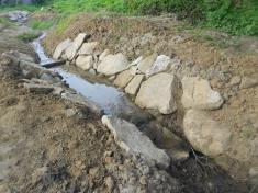 Upravené koryto potoka