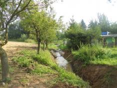 Upravený potok podchatkami