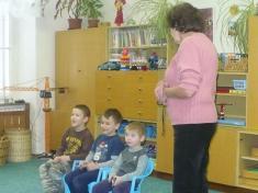 Děti poslouchají Mikuláše